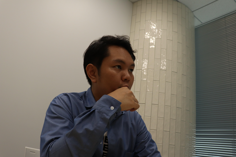 組織の拡大とともに起こった問題について語る合田氏