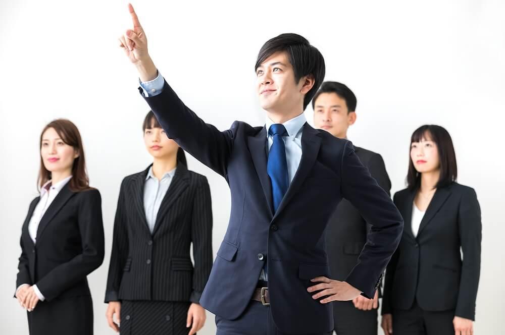 リーダーシップが高い社員のイメージ