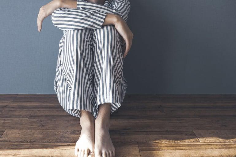 ストレスから引き起こされる病に罹った人のイメージ